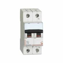 Commutateur Magnethermic1P+N C 10A - 4,5kA - 2M Bticino FC810NC10