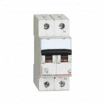 Commutateur Magnethermic1P+N C 16A - 4,5kA - 2M Bticino FC810NC16