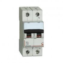 Commutateur Magnethermic1P+N C 20A - 4,5kA - 2M Bticino FC810NC20